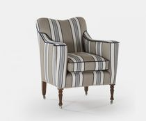 Traditional armchair / fabric / on casters