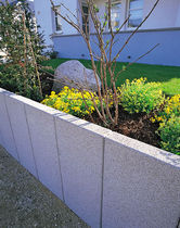 Reinforced concrete retaining wall / modular / prefab