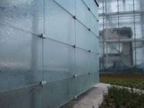 Laminated glass panel / patterned / for facades / structural