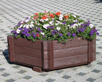Recycled plastic planter / rectangular / with integrated bench / contemporary