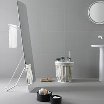 Free-standing bathroom mirror / contemporary / rectangular / metal