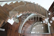Helical staircase / wooden steps / without risers / contemporary