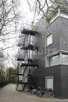 Half-turn staircase / metal steps / metal frame / without risers