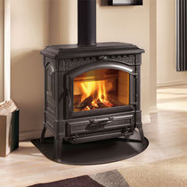 Wood boiler stove / traditional / cast iron