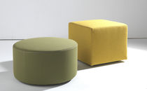 Contemporary pouf / leather / horsehair / round