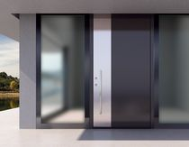 Entry door / swing / aluminum / high-resistance