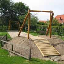 Cable slide / for playgrounds