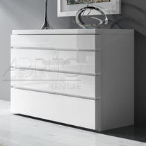 Contemporary chest of drawers / lacquered wood / white