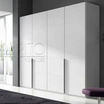 Contemporary wardrobe / lacquered wood / melamine / with swing doors