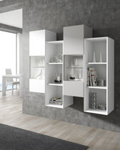 Wall-mounted shelf / contemporary / lacquered wood