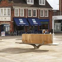 Public bench / contemporary / wooden / cast aluminum