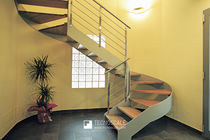Helical staircase / wooden steps / metal frame / contemporary