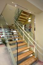 Half-turn staircase / wooden steps / glass steps / metal frame