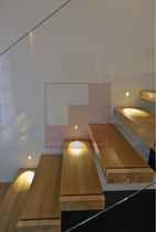 Straight staircase / wooden steps / without risers / contemporary