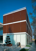 Wood solar shading / facade