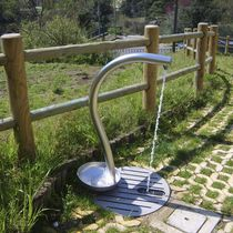 Outdoor drinking fountain / stainless steel