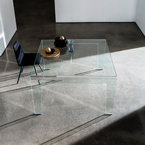 Contemporary dining table / glass / rectangular / square