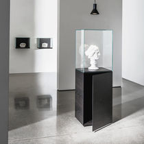 Contemporary display case / floor-standing / wooden / glass
