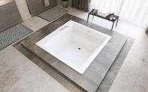 Acrylic bathtub / deep