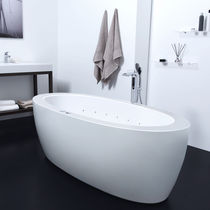 Freestanding bathtub / oval / acrylic / double