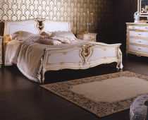 Double bed / Louis XVI style / wooden