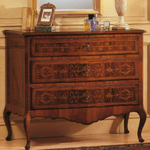 Classic chest of drawers / brown