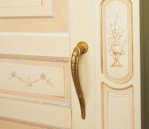 Traditional wardrobe / wooden / sliding door