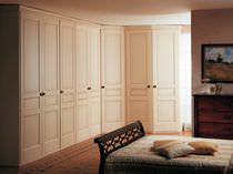 Corner wardrobe / traditional / wooden / with hinged door