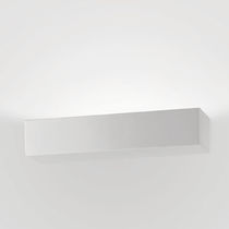 Contemporary wall light / linear / metal