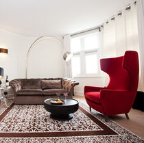 Contemporary armchair / velvet / beech / oak