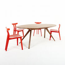 Contemporary dining table / walnut / white oak / oval