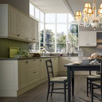 Traditional kitchen / wooden / lacquered / matte