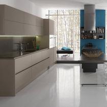 Contemporary kitchen / laminate / lacquered