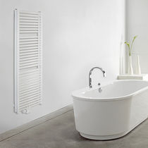 Hot water towel radiator / electric / steel / traditional