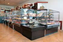 Refrigerated display counter / for bakeries