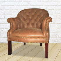 Traditional armchair / leather / crapaud