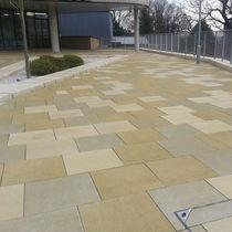 Concrete paving slab / drive-over / pedestrian / for public spaces