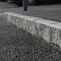 Sidewalk edge / concrete / linear