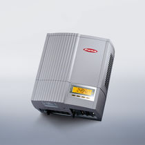 Inverter for PV applications / string / with transformer / for roof installations