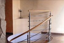 Wooden handrail / stainless steel