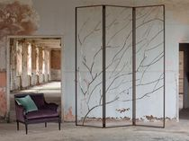 Contemporary screen / stainless steel