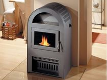 Oil heating stove / traditional / metal