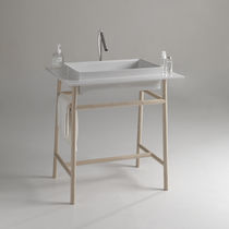 Metal washbasin stand / ceramic