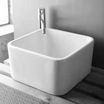 Countertop washbasin / square / ceramic / contemporary