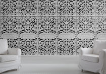 Traditional wallpaper / fabric / patterned / textured