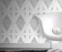 Traditional wallpaper / geometric pattern / textured / printed