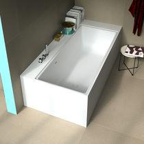 Free-standing bathtub / corner / Solid Surface