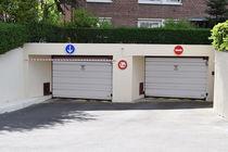 Tilting garage doors / swing / aluminum / automatic