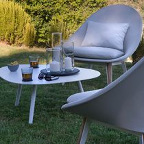 Contemporary fireside chair / fabric / lacquered aluminum / teak