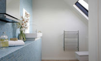 Electrical towel radiator / vertical / stainless steel / wall-mounted